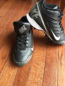 Boys soccer cleats Nike