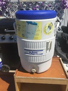 Water cooler with cup holder on side