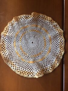 10 pictures of doilies!!
