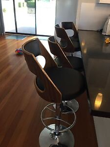 Wooden Gas Lift Bar Stools (black vinyl seat and back) x4 Seaforth Manly Area Preview