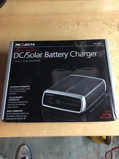 Projecta DC Solar battery charger ID25