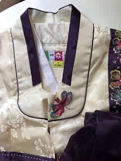 Child Costume: Traditional South Korean Customer (Size 5)