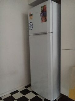 253 Litre Frost free refrigerator