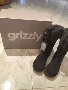 Grizzly grey suede size 8 boots - BNIB Nollamara Stirling Area Preview