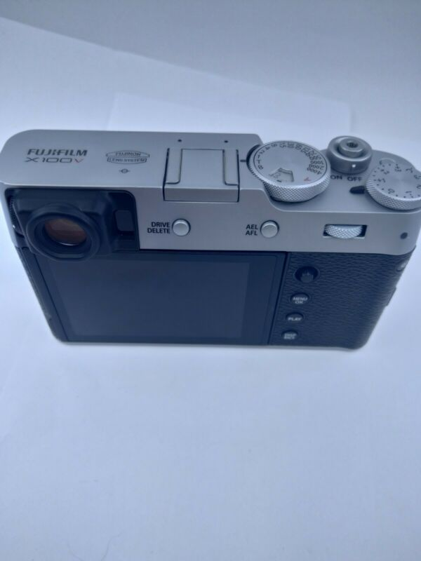 *OOEN BOX* Fuji Fujifilm X100V (Silver) - SAME DAY SHIPPING