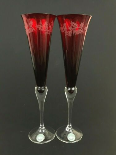 2 Lenox Holiday Gems Ruby Red Christmas Etched Holy Berry Champagne Flutes 11