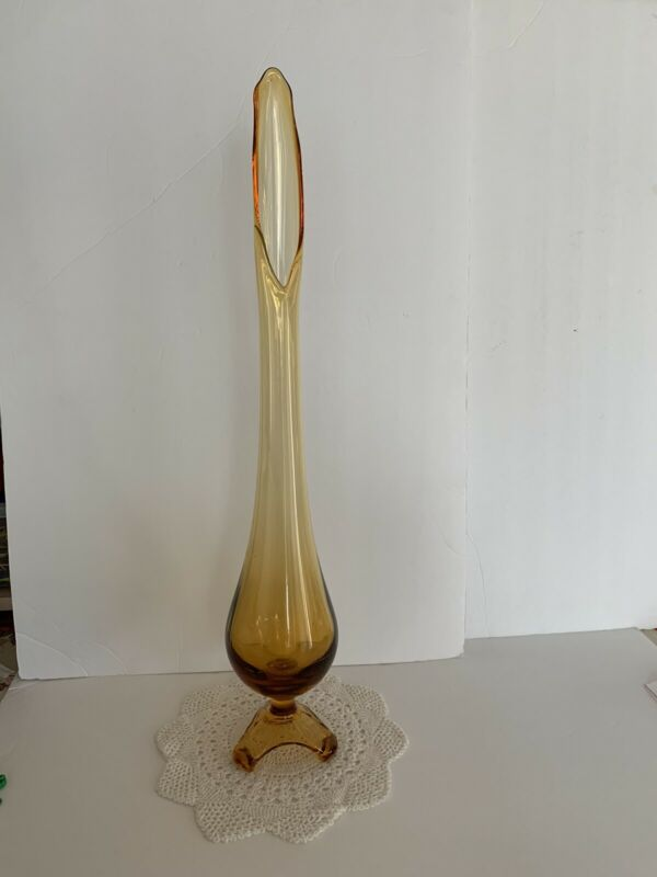 """MID CENTURY VINTAGE AMBER SWUNG STRETCH FOOTED GLASS VASE 24"""""""