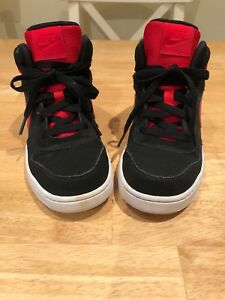 Boys Runners / Shoes Nike Size 3.5 Youth