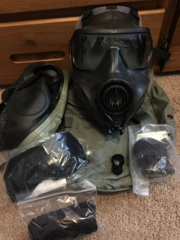 AVON FM53 M53 Gas Mask Large Right Hand With Hood & Filter