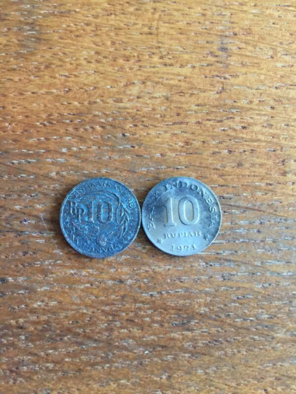 2 Indonesia Coins 10 Rupiah Circulated
