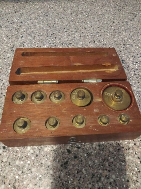 Vintage Weight scale set