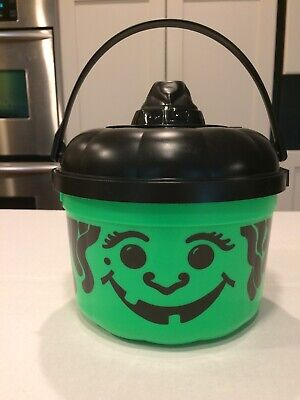 McDonald's 1991 Halloween Witch Trick or Treat Bucket/Cat Cookie Cutter