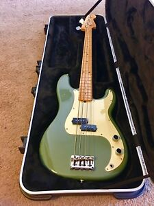 Fender USA American Professional Precision Bass Olive Green with Case