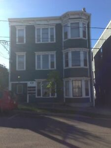 30 Clarendon #4 - 2BR North, H&L, W/D, Pets, Parking™