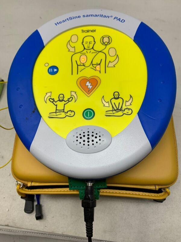 HEARTSINE SAMARITAN PAD AED DEFIBRILLAT SAM W/ Pads/Extras MW