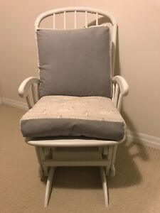 White rocking chair / nursing chair