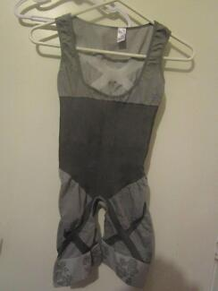 Women's Large-Extra Large Body Shaping Suit ***NEW***