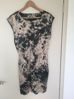 Buddha wear dress - size small/8