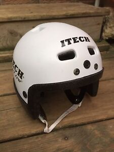 Hockey Itech helmet See pictures for size