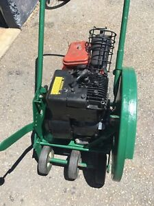 Ings edger commercial with 5 hp Briggs and Stratton motor