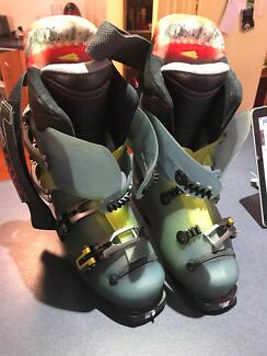 Lange mens ski boots size 9.5 - used once