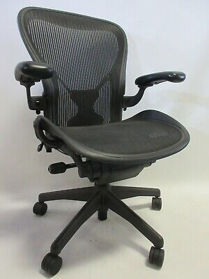 Herman Miller Aeron Chair - Size C Large In Graphiteblack With Posture-fit