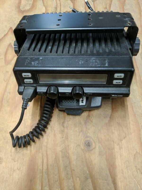Midland 70-0511C Radio. VHF W/Built-In Extender