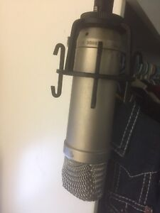 RODE microphone 250$ with stand