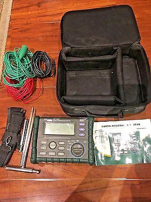 Megger Mitchell Earth Resistance Tester Mit2302 0-200v 0-4kohm W Case Cables