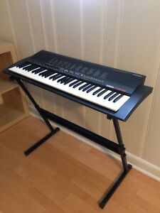 Yamaha Digital keyboard piano & adjustable stand