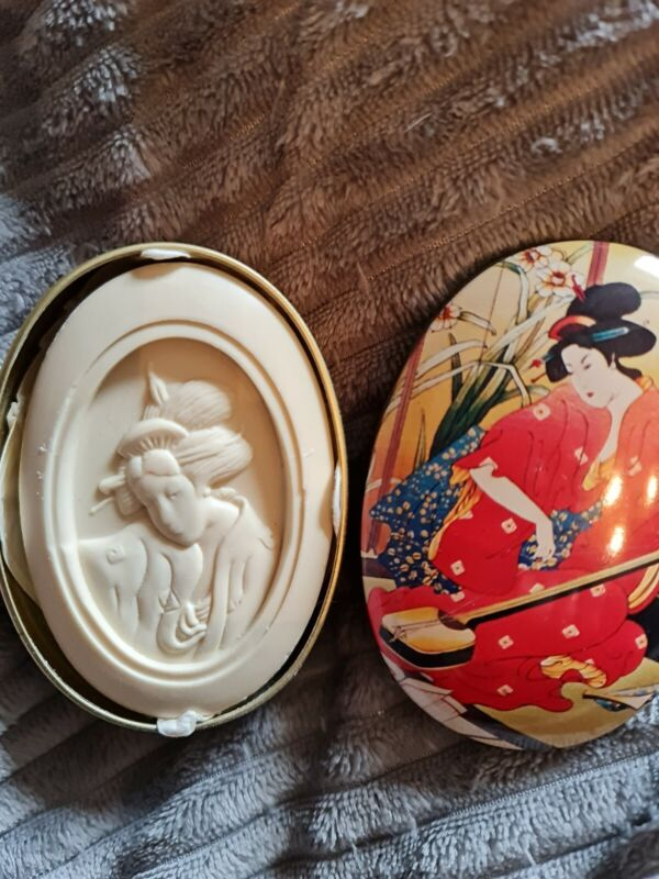 AVON VINTAGE JAPANESE COLLECTION SOAP IN A TIN