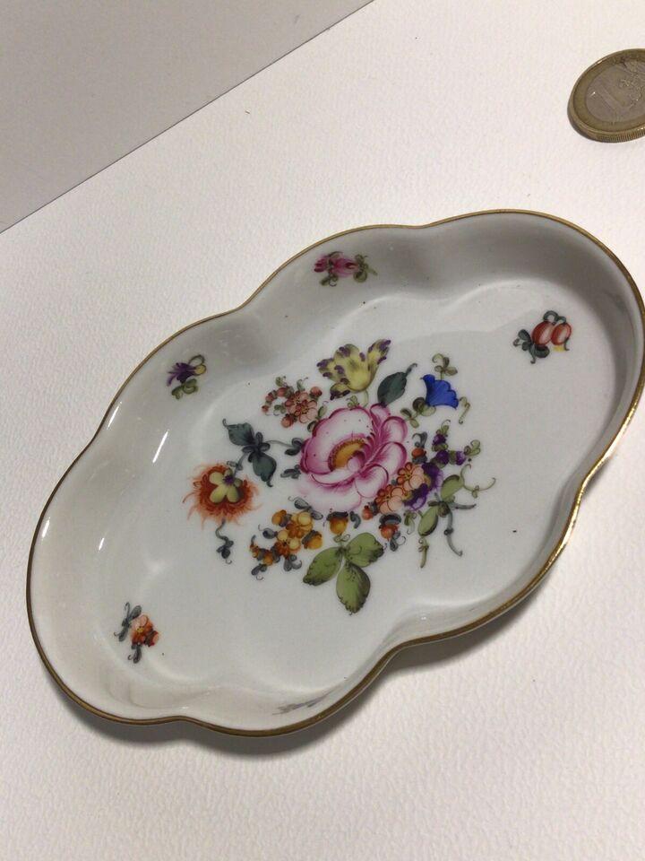 Herend Hvngary 7964 Porzellan Behälter Blumen Mit Untertasse in Rheinland-Pfalz - Alzey