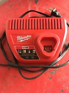 Mileaukee M12 charger