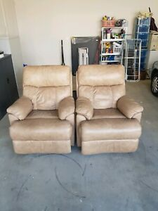2 Recliners the same colour good condition