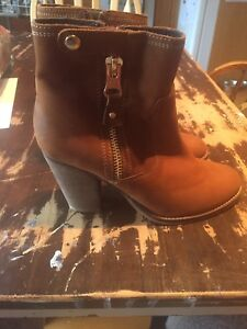 NEW Aldo boots size 8.5 (39 EUR) REDUCED PRICE!