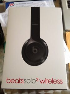 Beatsolo3 wireless headphones
