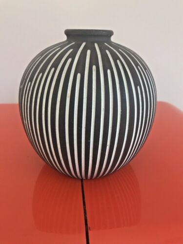 Helge Østerberg/Osterberg Danish Art Pottery Vase Line Design Rare 1960s vtg