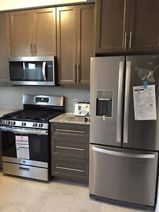 Rent Townhouse 3 Bedrooms, 3 Washrooms in Elite Ancaster area