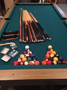 Table de billard. Dois partir avant le 1er avril