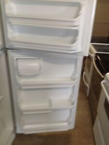 4 year old kenmore fridge  Stratford Kitchener Area image 3