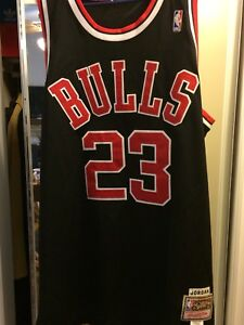 MICHAEL JORDAN JERSEY/ MITCHELL AND NESS