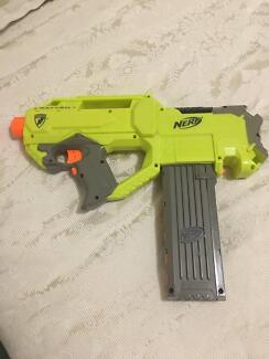 Nerf Gun - Rayven With Glow in the dark darts