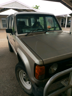 1985 Jackaroo wanting to swap for boat & motor - car topper