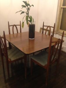 Retro Dining Table/4 Chairs