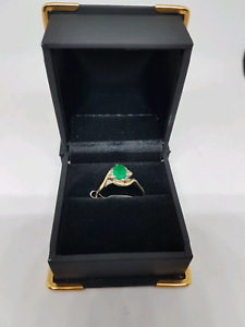 9ct gold green stone daimond ring Belmont Belmont Area Preview
