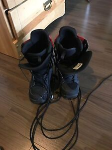 DC snowboarding boots size 9.5 mens