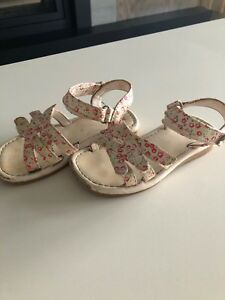 Girls toddler size 8 sandals.