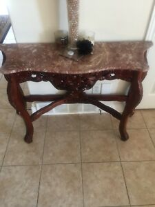 Brownish key entrance table with mirror