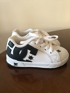 DC toddler size 6 sneakers - like new