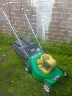 Rover Rebel 4 stroke Lawnmower +Catcher. Just serviced + Warranty Sunshine North Brimbank Area Preview
